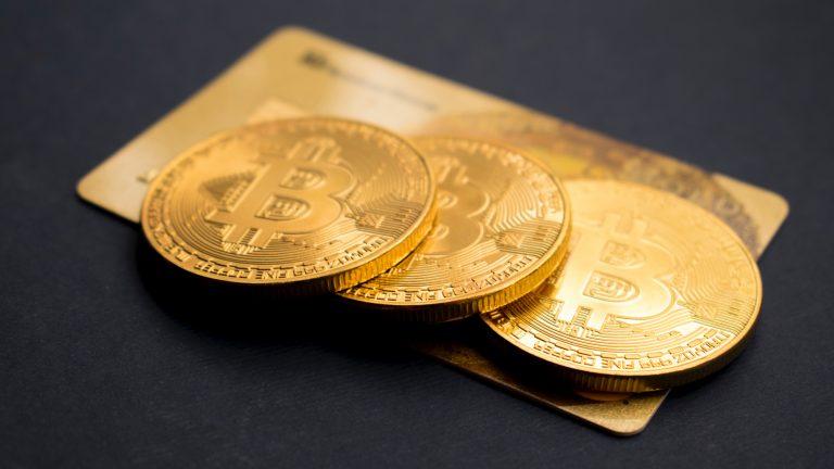 banque-ligne-argent-carte-credit