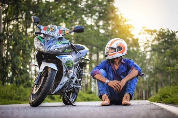 Rouler à moto pour se détendre et pour aller se promener